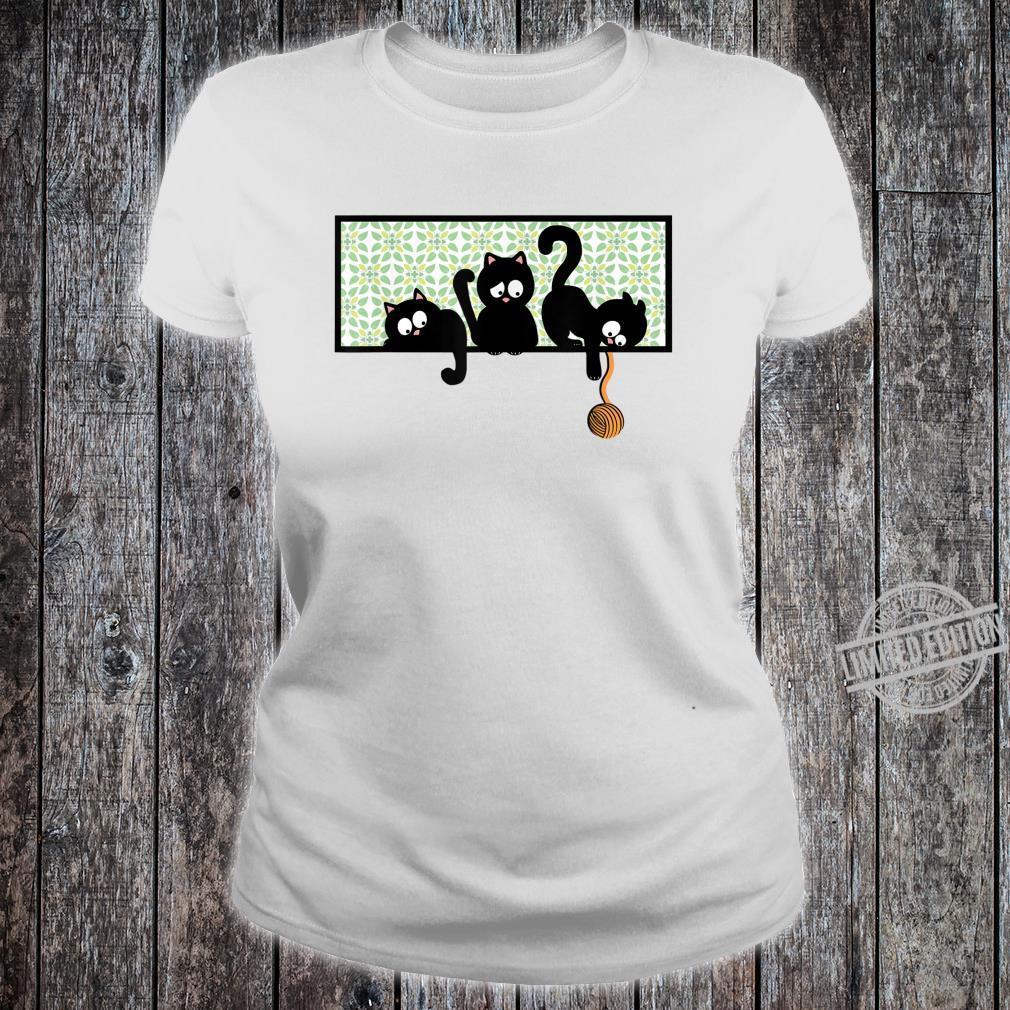 Black Cat Kittens Playing on Shelf w Yarn Kid Shirt ladies tee